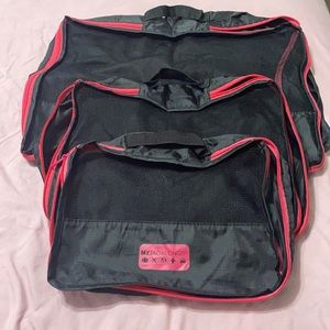 3-Pack Packing Cubes (S, M, L)- Black & Hot Pink